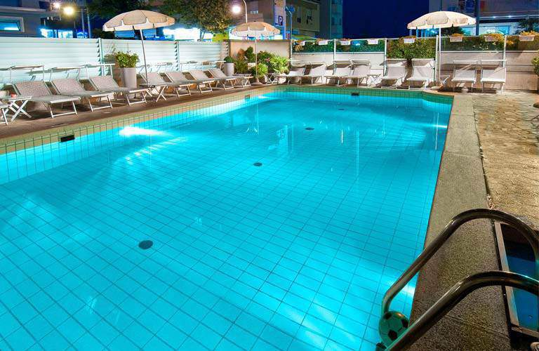 Hotel poker 3 star superior hotel riccione with swimming for Swimming pool poker